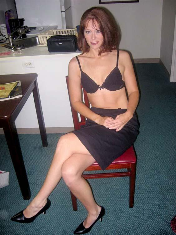 Nice milf shows under her skirt - 2
