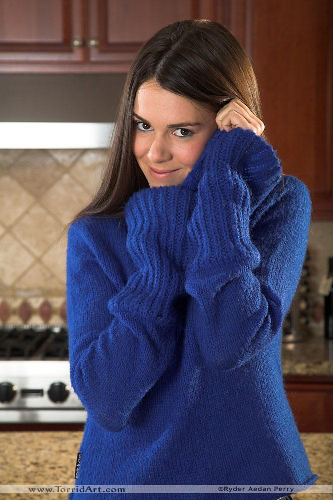 Pretty brunette in the kitchen - Isobel Wren - 2