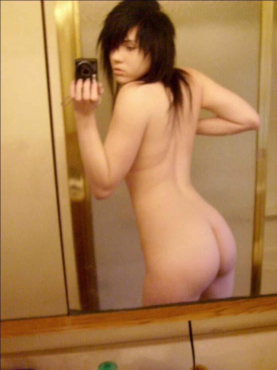 sexy and naked latina girl
