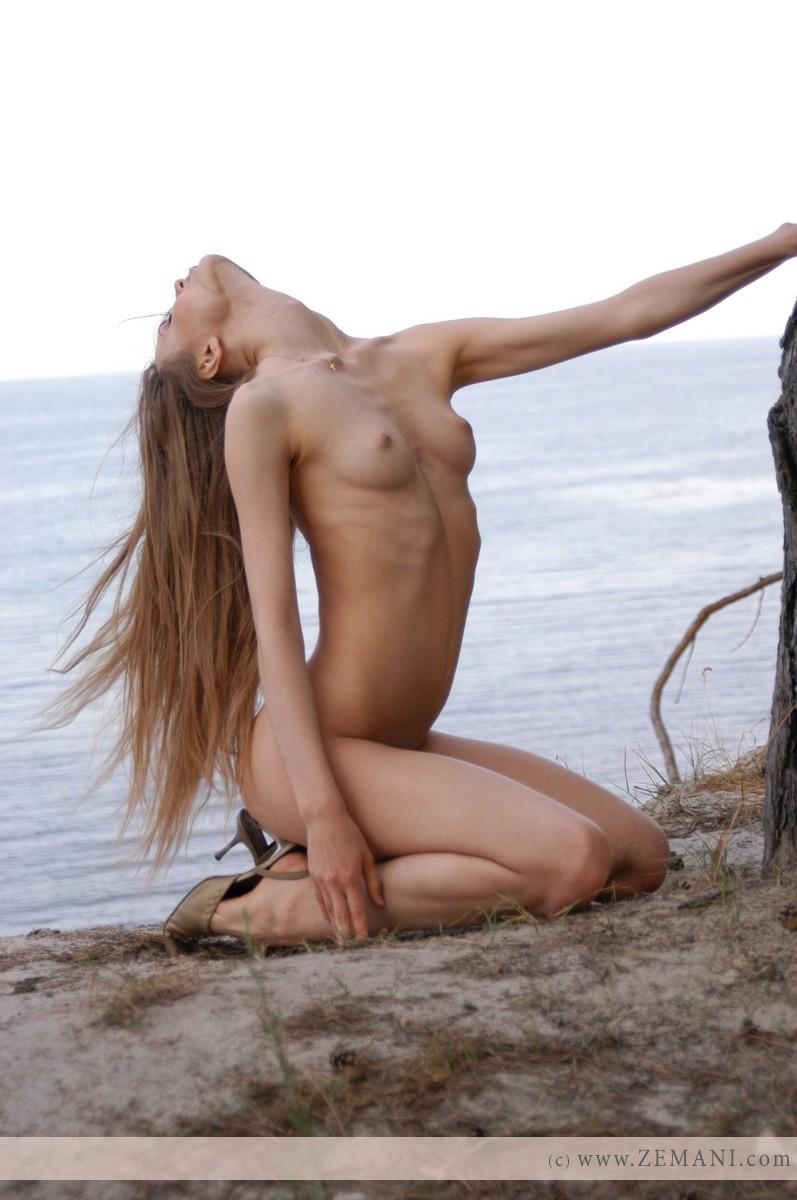 Sensual girl with long hair - Lenusya - 12