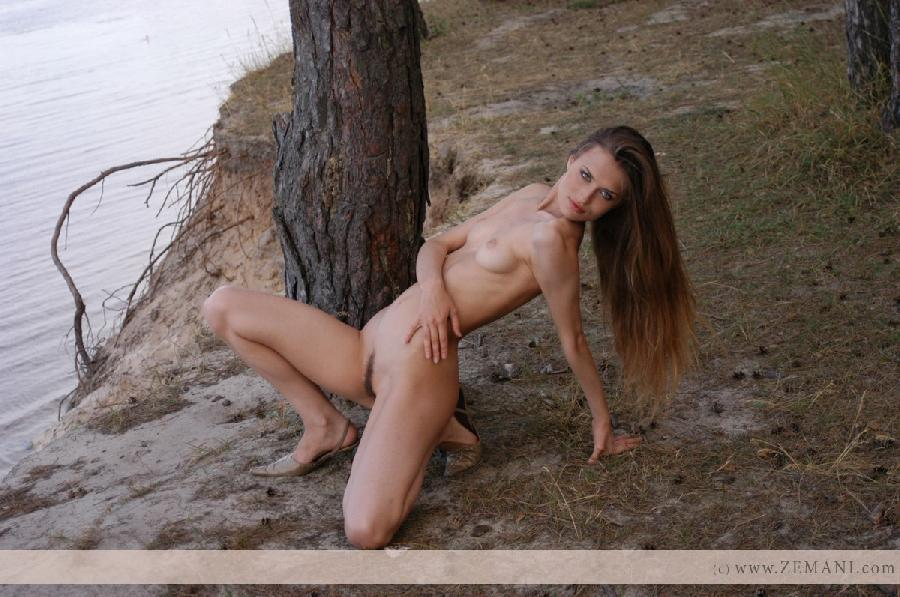 Sensual girl with long hair - Lenusya - 5
