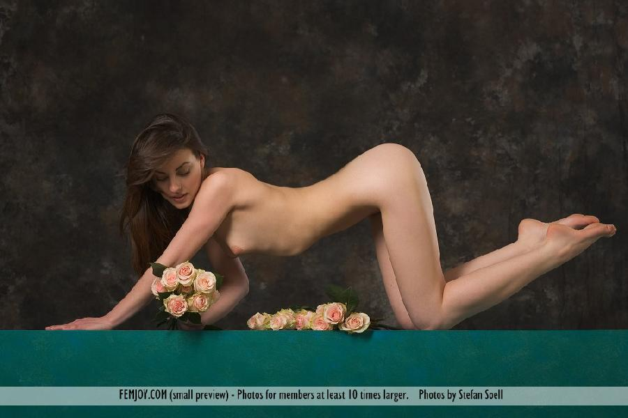 Lorena Garcia naked with flowers - 11