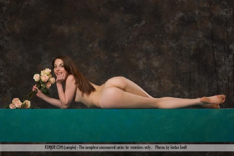 Lorena Garcia naked with flowers - 12