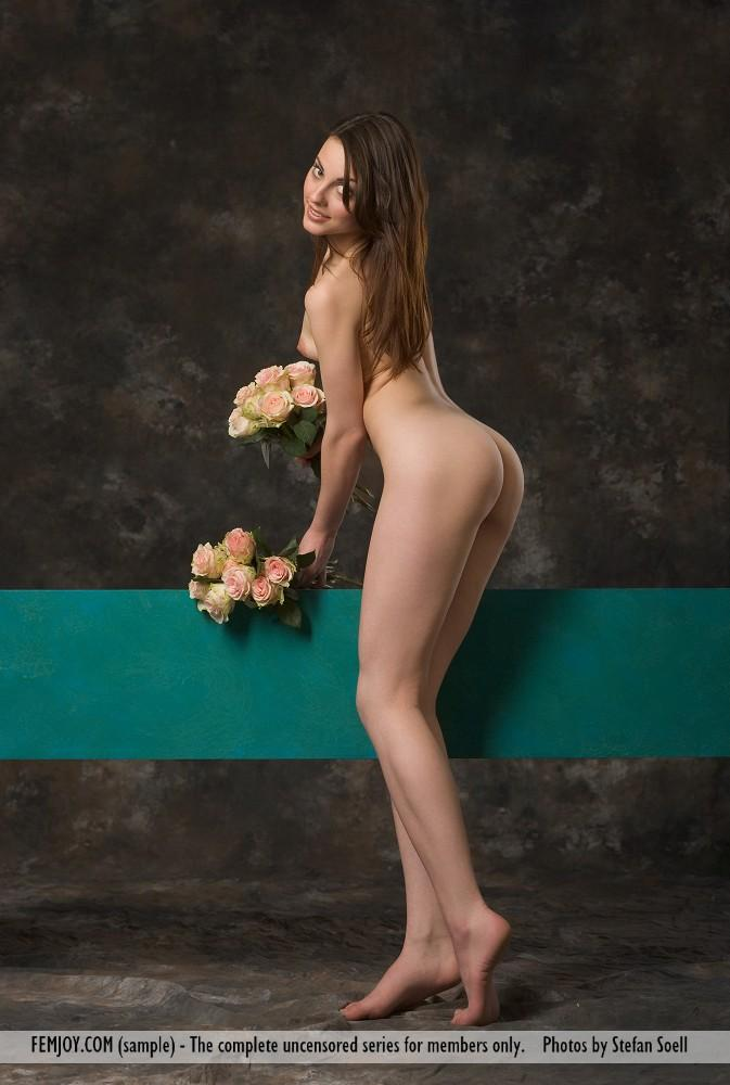 Lorena Garcia naked with flowers - 8