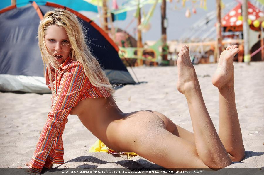 Sexy blonde gets naked on a dance festival Kazantip - Ana - 7