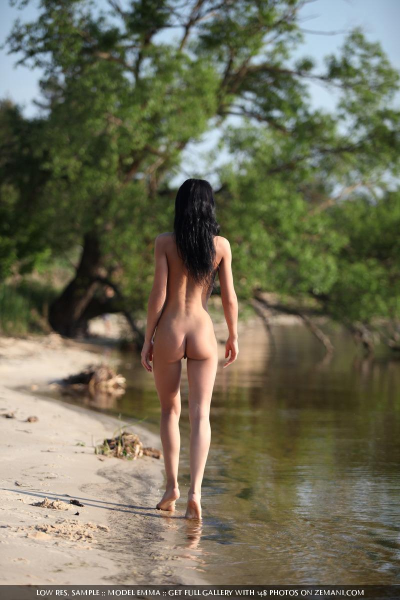 sexy sigourney weaver nude