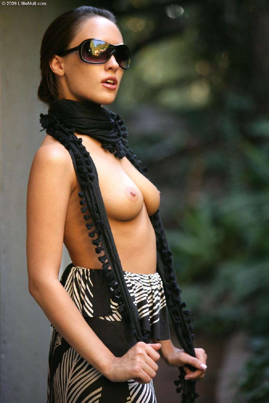 Sexy Nadia Aria in a scarf - 2