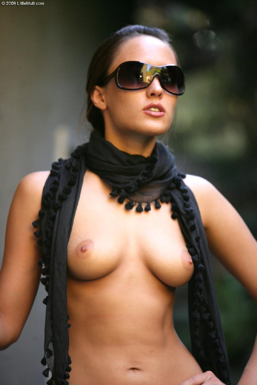 Sexy Nadia Aria in a scarf - 5