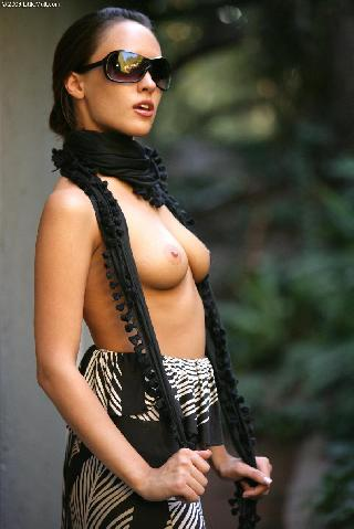 Sexy Nadia Aria in a scarf