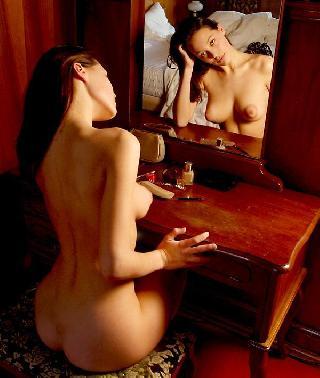 Marvelous Sveba poses in mirror