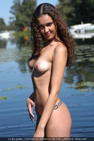Hot naked brunette wants to swim - Sonya