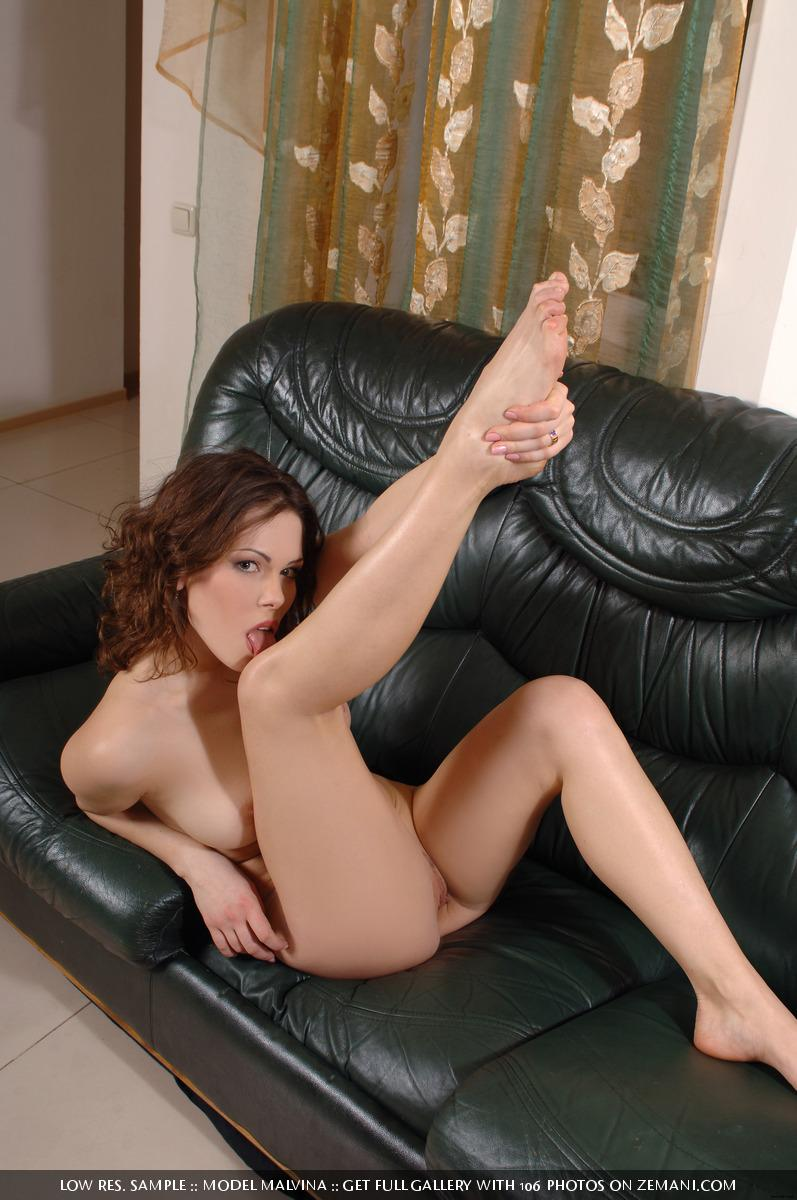 Juicy Malvina will seduce you with her naked and sexy body - 14