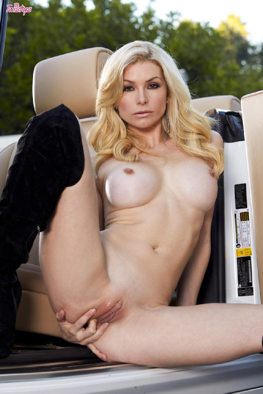 Heather Vandeven wanna catch a ride - 12