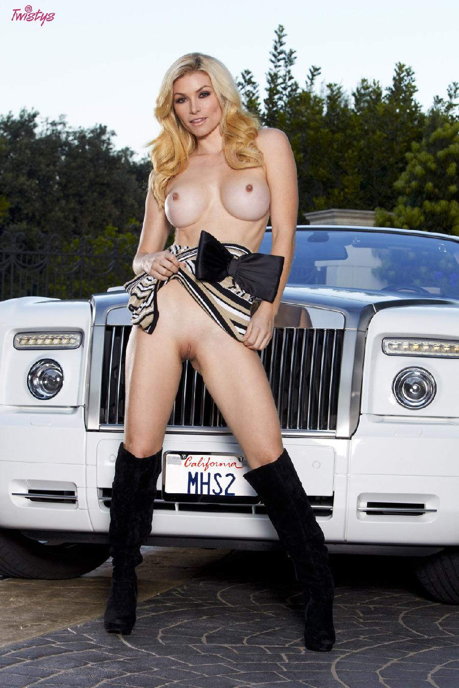 Heather Vandeven wanna catch a ride - 7