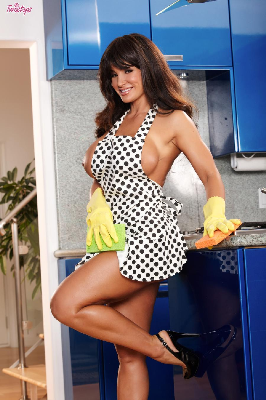 Cooking with busty Lisa Ann - 1