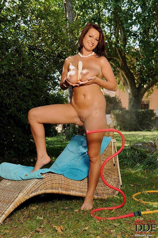 Hot and wet solo action in the garden with LaTaya Roxx - 8
