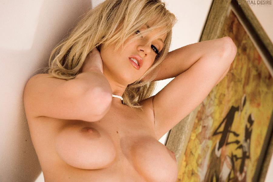 Katlain Ryan big round tits - 3