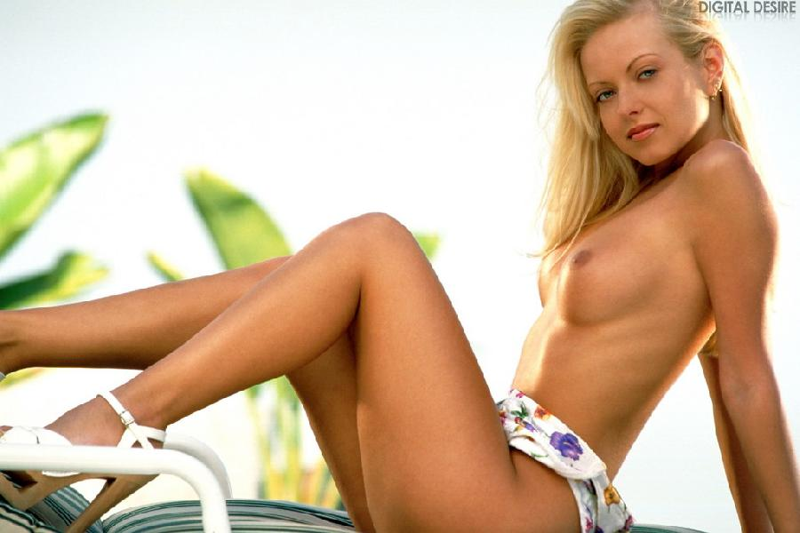 Hot Jana Cova and her striptease outdoors - 7