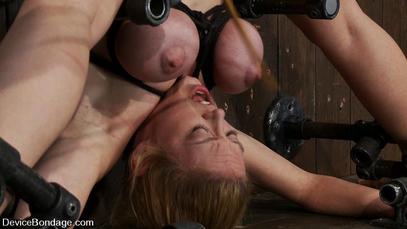 Hardore girl fuck with machine - 5