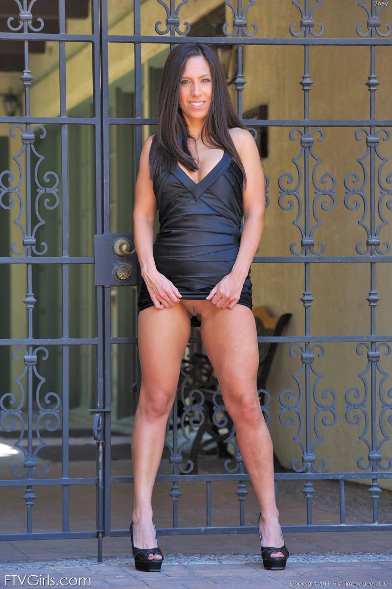 Hot brunette completely naked outside - Zoey - 2
