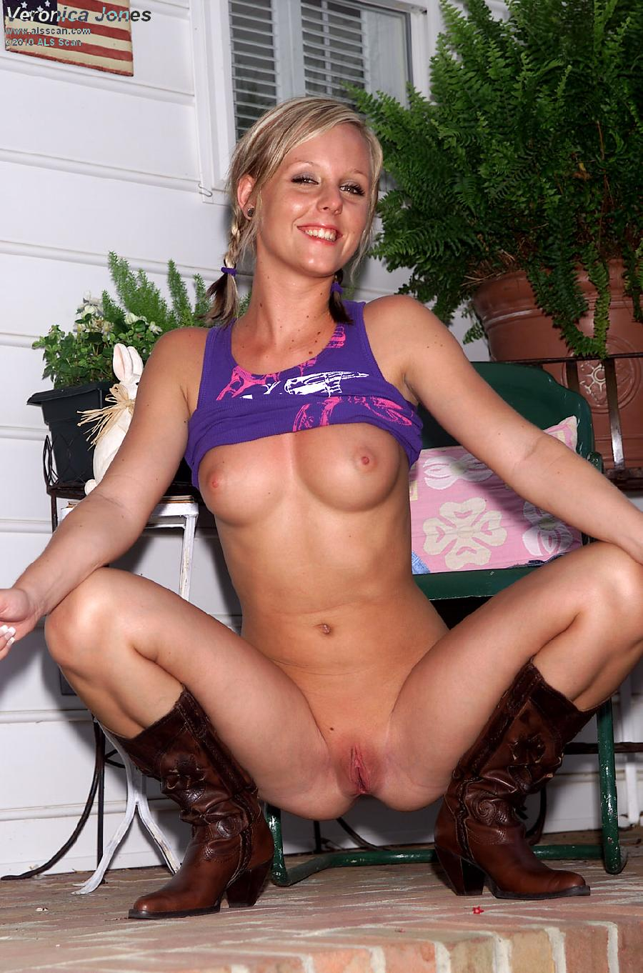 Blonde cowgirl with red wet pussy - Veronica Jones  - 5