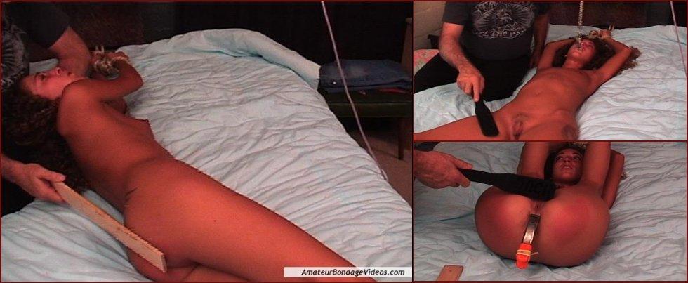 Young girl offers herself as a slave - Nicole - 18