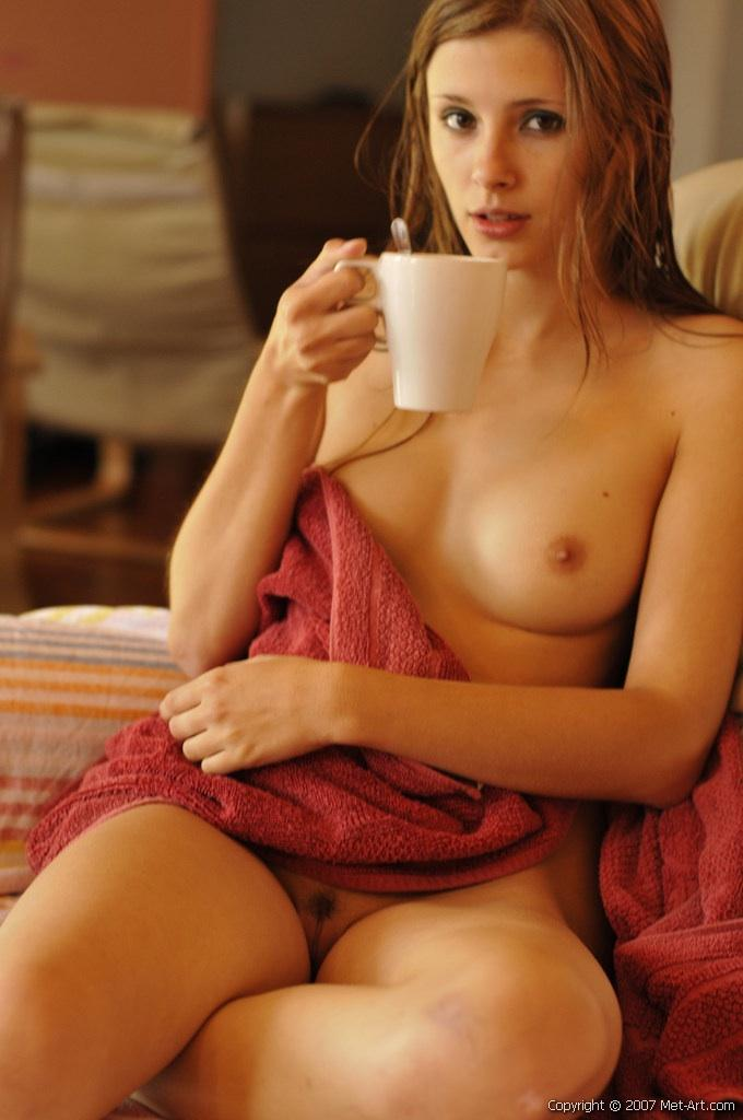 Sexy girl skinny dip