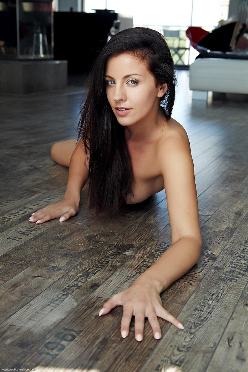 Stunning brunette shows us her beautiful naked body - Hazel - 11