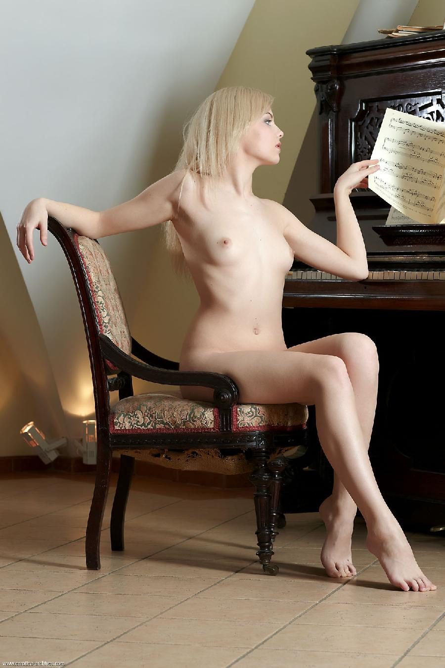 Sexy Jelka strips by the piano - 4