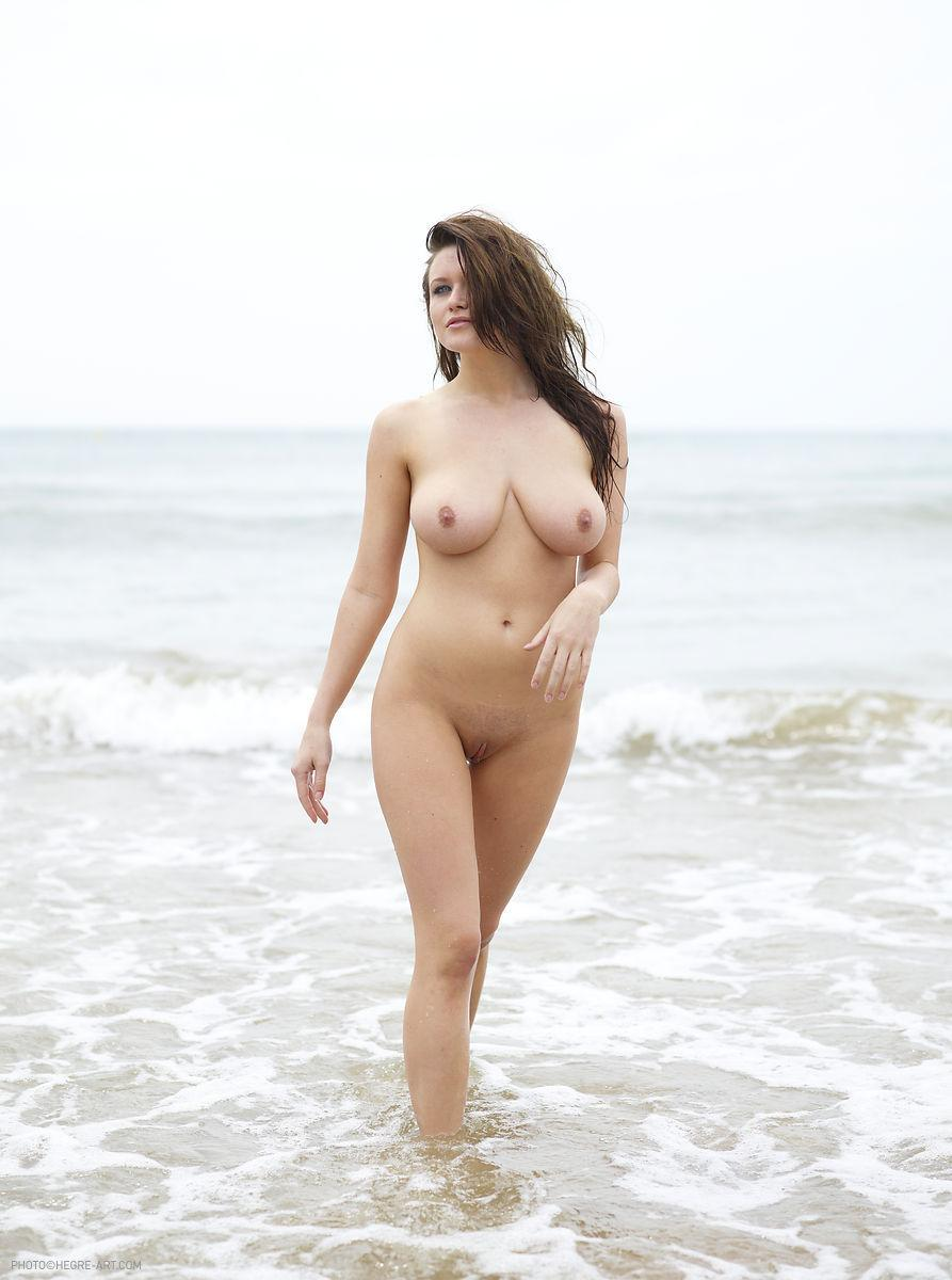 Marjana strips her pink bikini on the beach - 12
