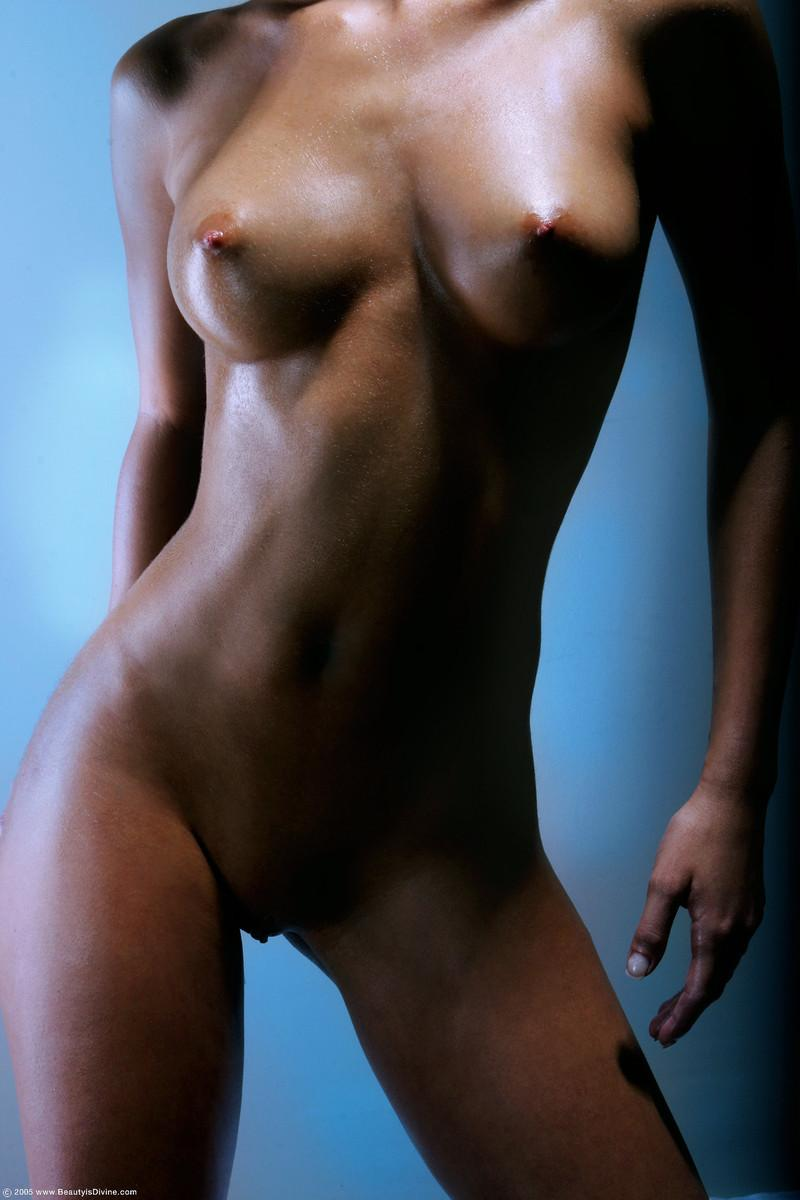 Gaudy set of tits on hot brunette - Nella - 1