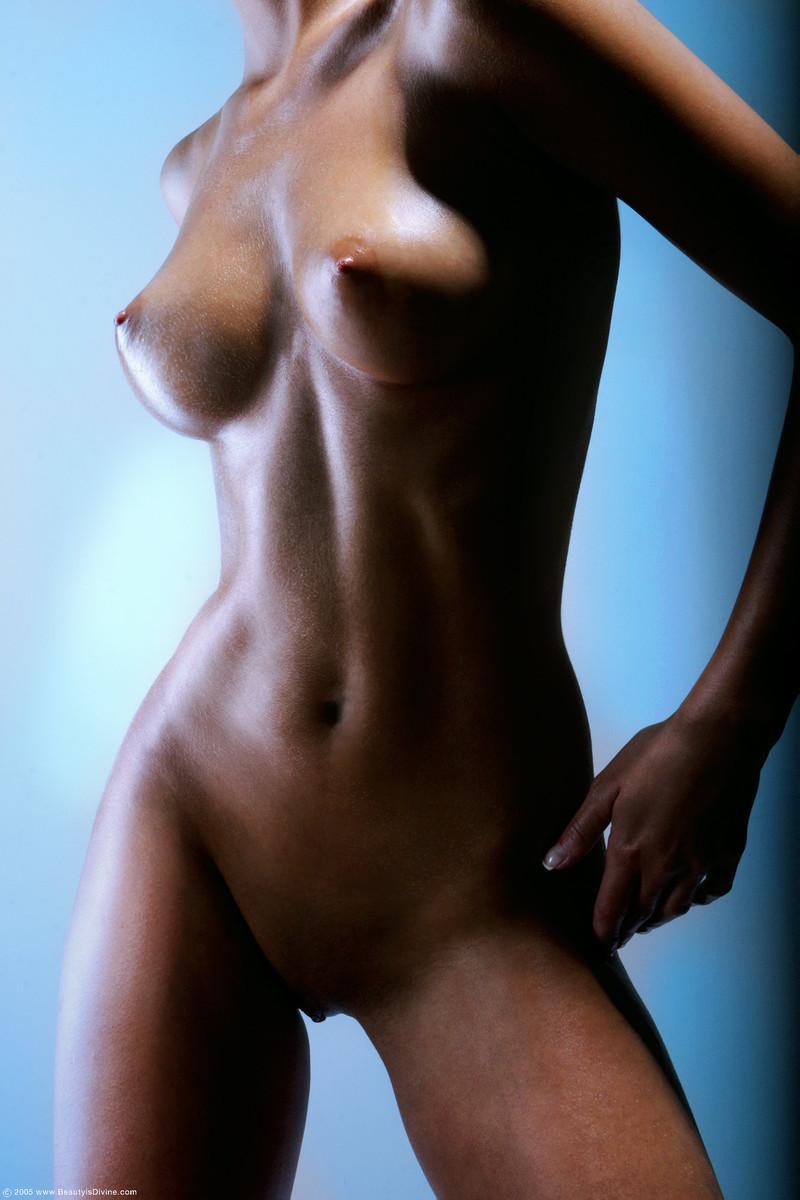 Gaudy set of tits on hot brunette - Nella - 2