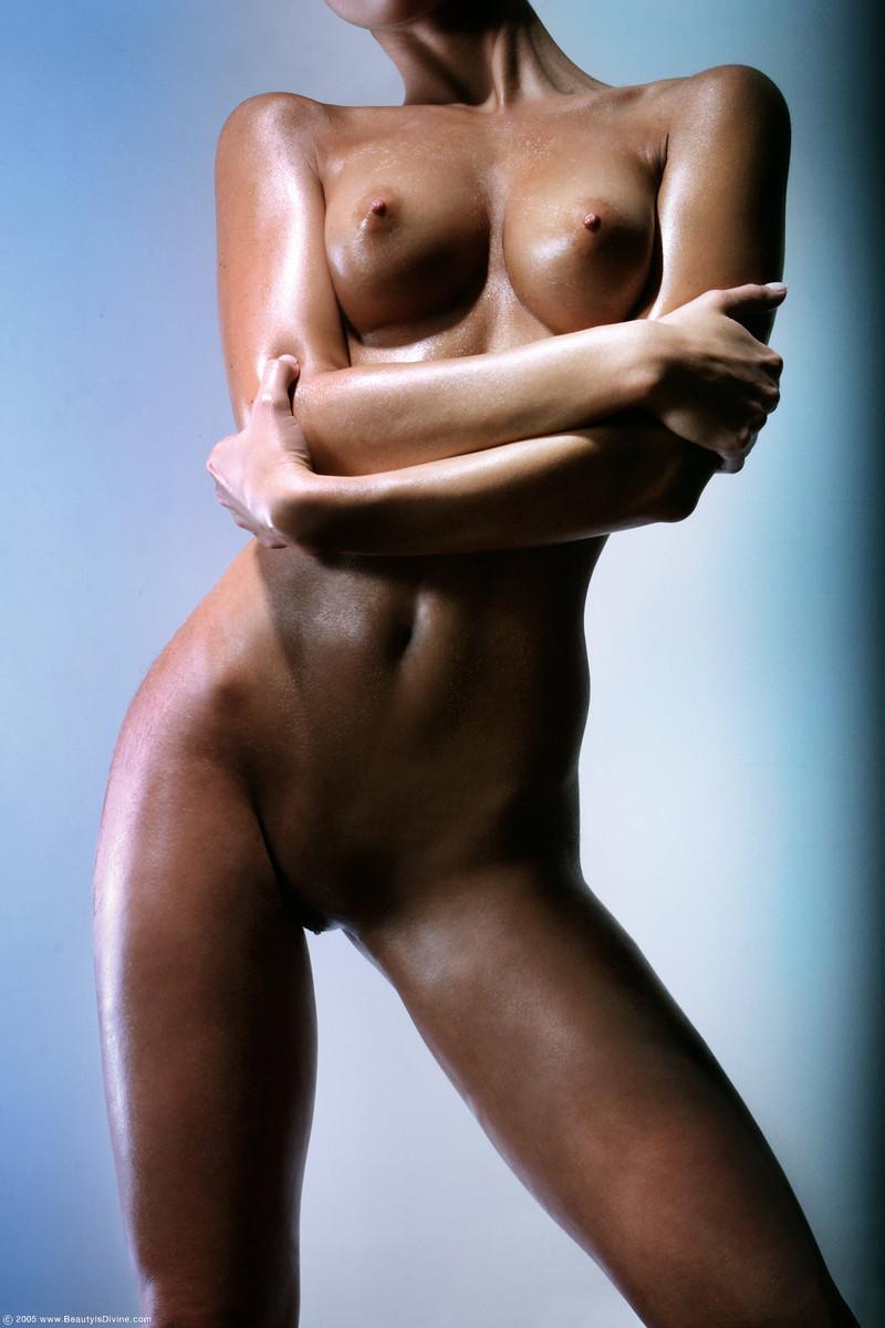 Gaudy set of tits on hot brunette - Nella - 5