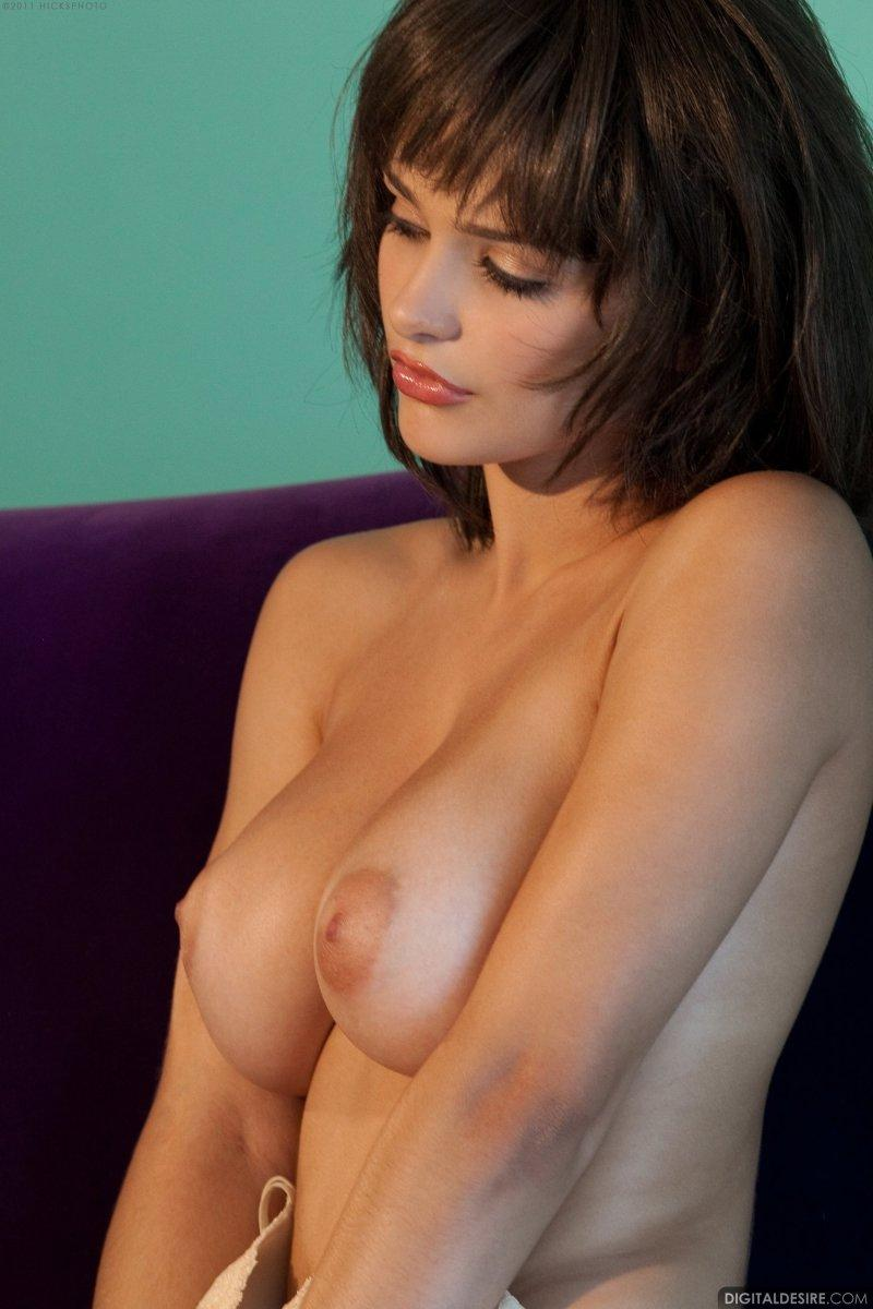 Busty Hailee Rain shows her unshaved pussy - 5