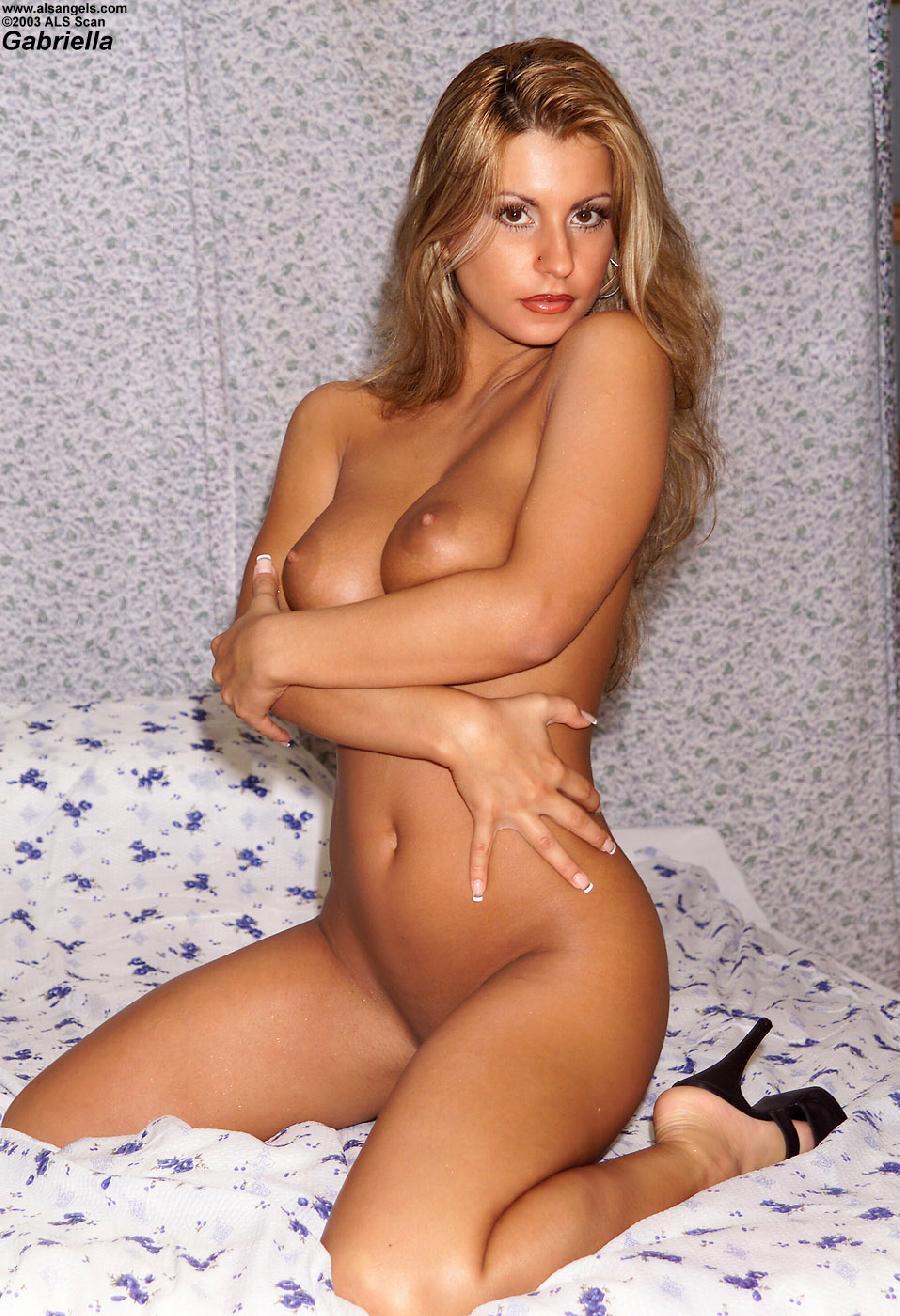 Fantastic woman in blue bikini - Gabriella - 7