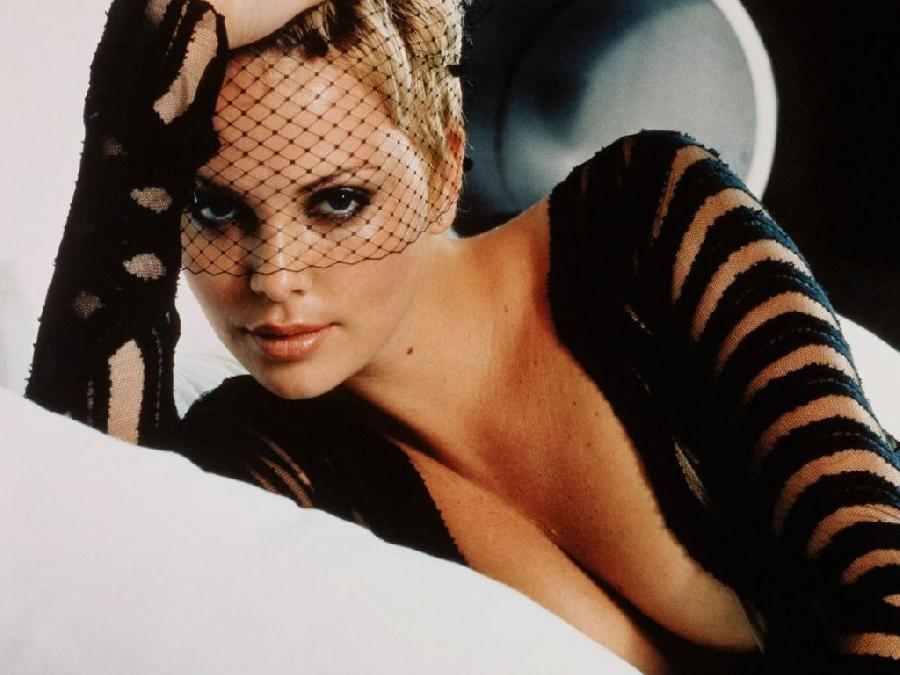 Gallery with beautiful Charlize Theron - 5