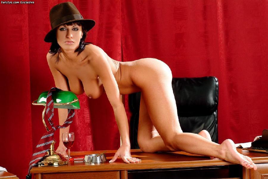 Sexy and arousing dolly Veronica Vanoza - 14