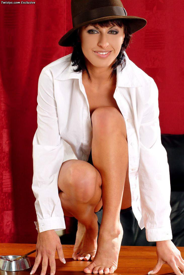 Sexy and arousing dolly Veronica Vanoza - 5