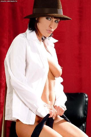 Sexy and arousing dolly Veronica Vanoza