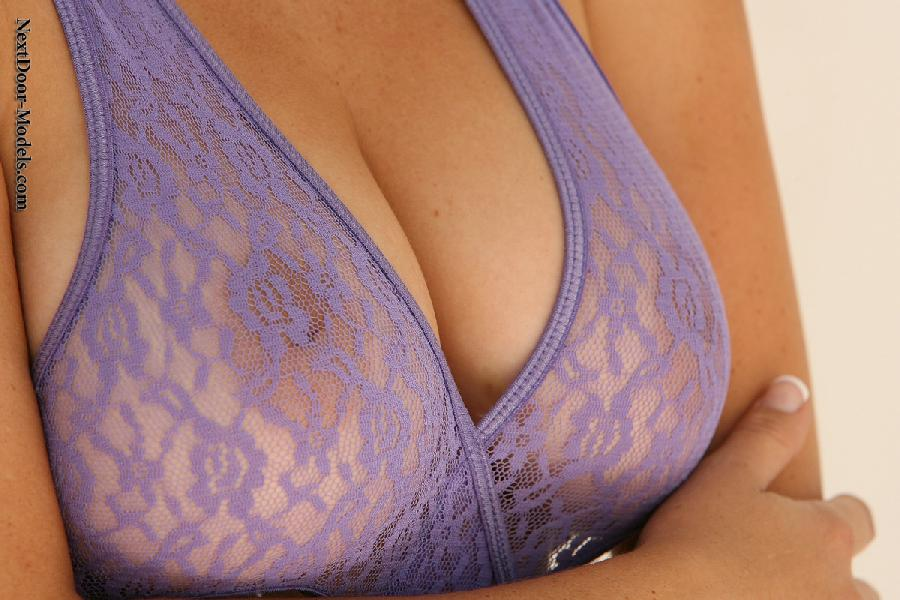 Busty Kelly in purple bodysuit - 3