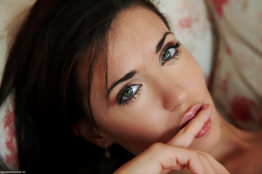 Brunette with magic eyes - Malvina - 10