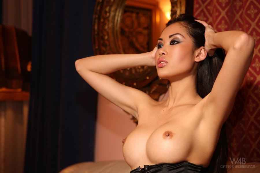 Exclusive woman shows her hot body - Davon Kim - 7