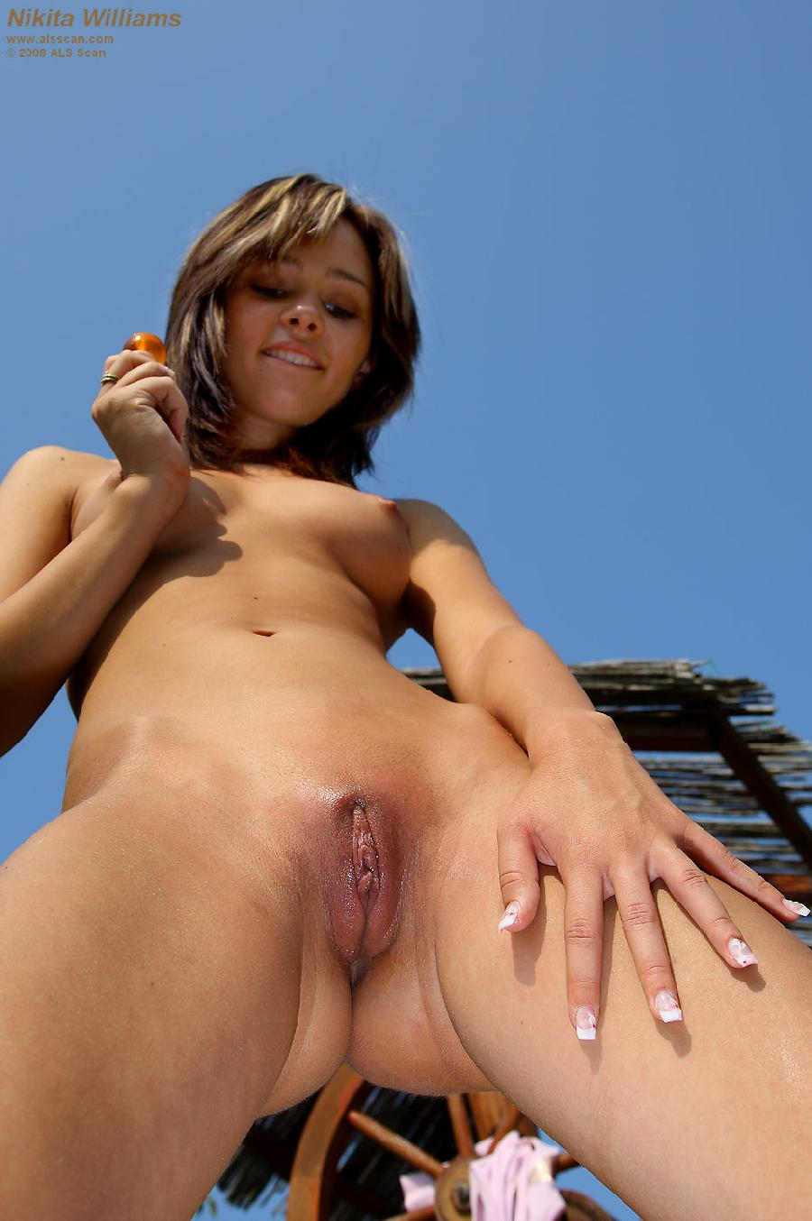 Pretty girlie on farm - Nikita Williams - 11