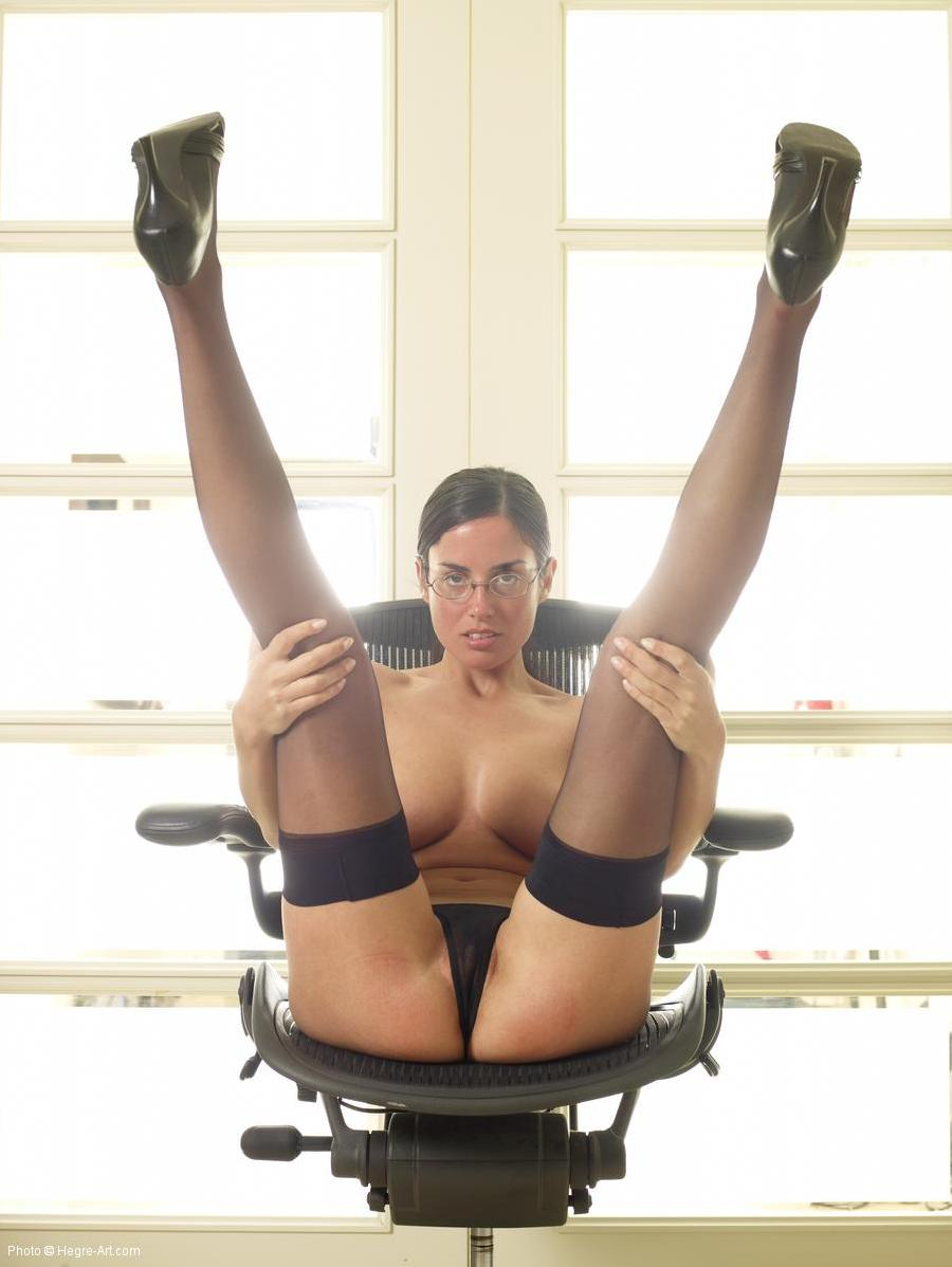 Gorgeous secretary in black stockings - Murriel - 5