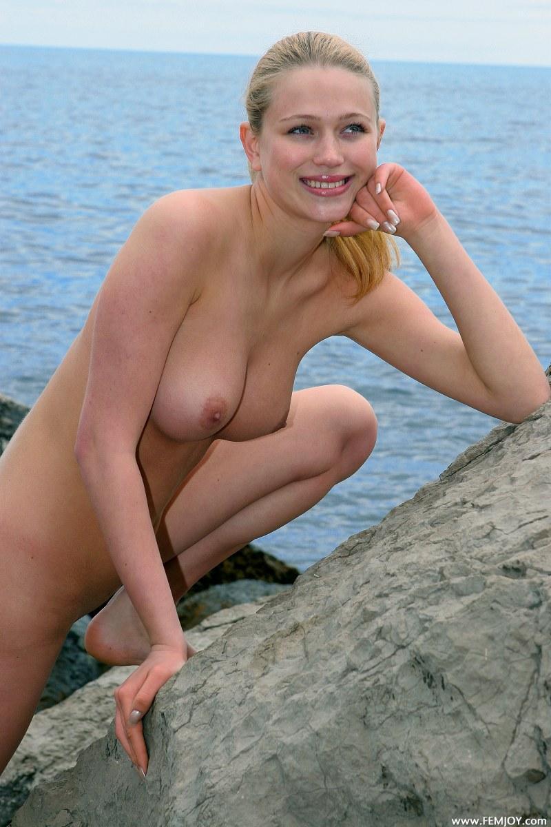 Seaside milf