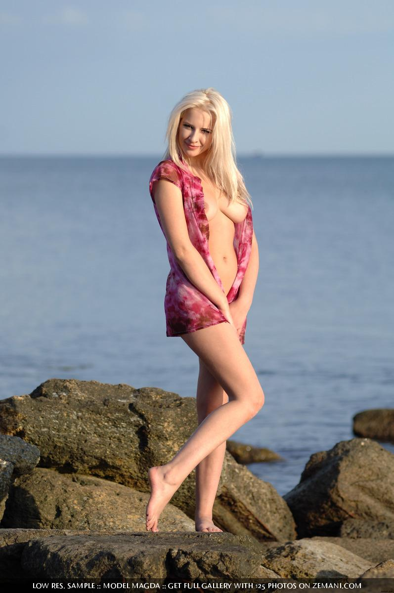 Cute blonde with an angelic face and body of a goddess - Magda - 2
