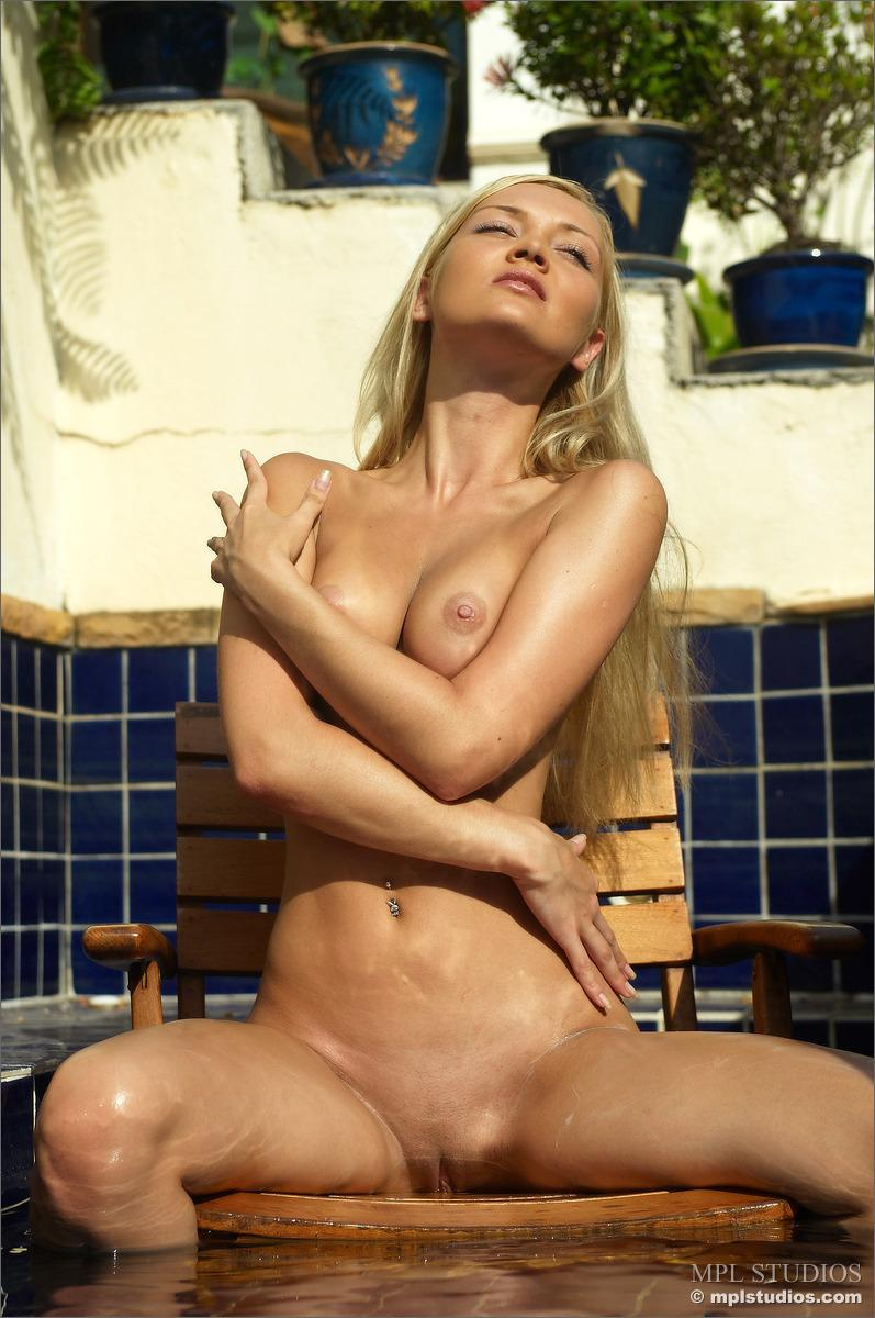 Wet session with gorgeous blonde - Monika - 2