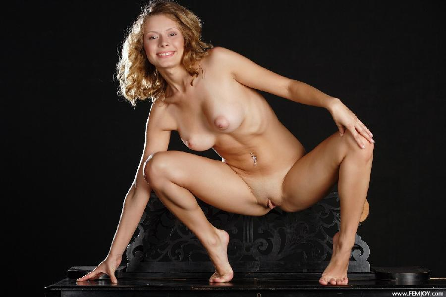 Woman and her natural beauty - Anne P - 9