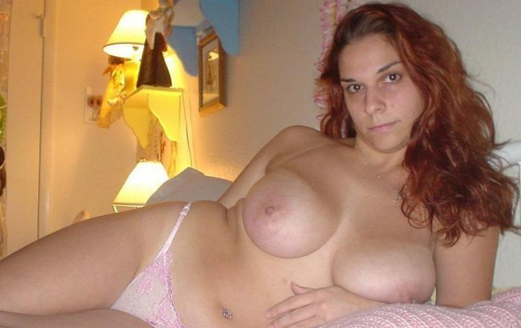 Pictures of nude full figured women in bed