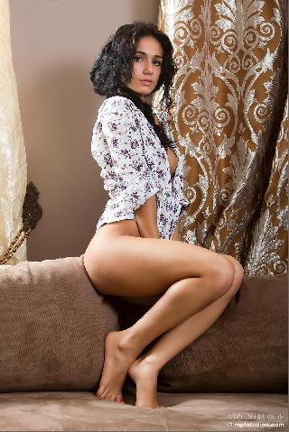 Beautiful brunette with gorgeous body - Arkina